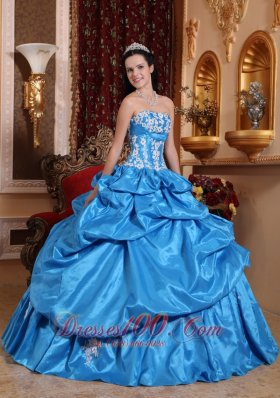 2013 Baby Blue Appliques Pick-ups Quinceanera Dress
