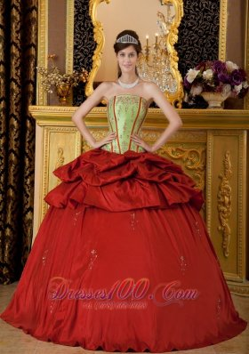 Red Quinceanera Dress Strapless Appliques Floor-length