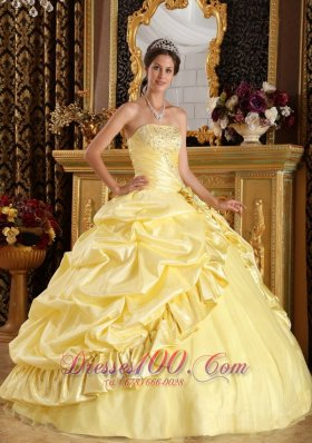 Sweet Sixteen Dresses Light Yellow Pick-ups Beading