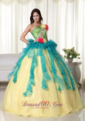 Yellow Strapless Floor-length Organza Quinceanera Dress