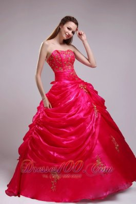 2013 Red Quinceanera Dress Organza Beading Pick-ups