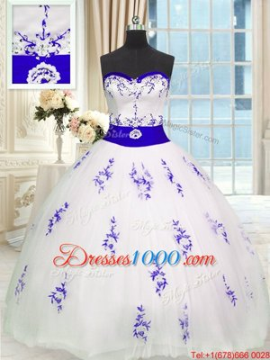 Sleeveless Tulle Floor Length Lace Up Quince Ball Gowns in White for with Embroidery and Belt