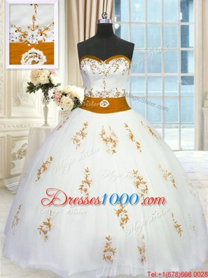 Modern White Ball Gowns Sweetheart Sleeveless Tulle Floor Length Lace Up Appliques and Belt Quince Ball Gowns