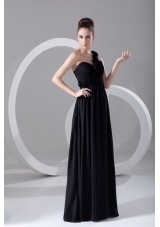 On Sale One-shoulder Black Chiffon Prom Dress with Empire Waist,Silhouette: Empire Neckline: One Shouder Waist: Natural Hemline/Train: Floor-length  Sleeve Length: Sleeveless Embellishment: Flowers Back Detail: Zipper-up Fully Lined: Yes Built-In Bra: Yes Fabric: Chiffon Shown Color: Black(Color & Style representation may vary by monitor.) Occasion: Prom, Formal Evening, Celebrity, Graduation Season: Spring, Summer, Fall, Winter