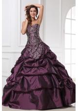 Embroidery and Pick Ups Purple Taffeta Sweet 16 Dresses for Girl
