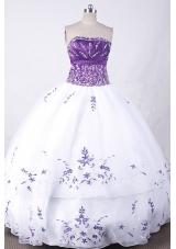 Exclusive Ball Gown Strapless Floor-length White Organza Embroidery Quinceanera dress