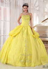 Organza Spaghetti Straps Yellow Quinceanera Gowns with Appliques