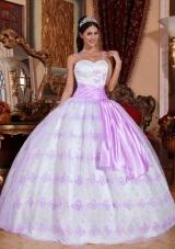 Puffy Spaghetti Straps Organza Lavender Embroidery Quinceanera Gown Dresses