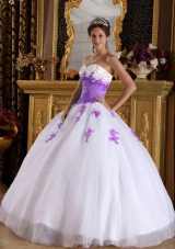 White and Purple Sweetheart Sweet Sixteen Quinceanera Dresses with Purple Appliques