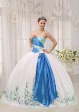 White Puffy Sweetheart Blue Embroidery Quinces Dresses for Cheap