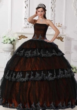 2014 Fashionable Orange Puffy Strapless Ruffled Layers Quinceanera Dress with Appliques