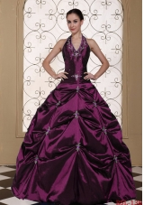 2014 Pretty Halter Top Puffy Embroidery Quinceanera Gowns With Beading