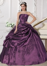 2014 Popular Purple Puffy Strapless Beading Quinceanera Dresses with Pick-ups
