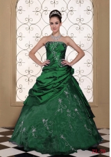 2014 Exclusive Strapless Quinceanera Dresses With Embroidery