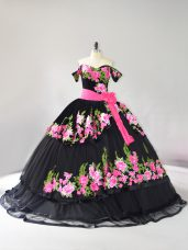 Black Sleeveless Embroidery Lace Up Quince Ball Gowns