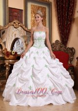 2013 White Quinceanera Dress Appliques Pick-ups
