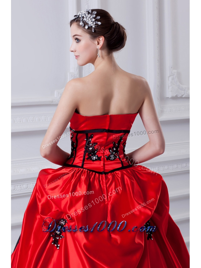 Cheap Strapless Appliques Pick-ups Black and Red Quinceanera Dress with Brush Train