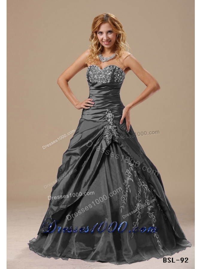 2014 Pretty Sweetheart Appliques Decorate Bust and Ruching Bodice For Prom Dress