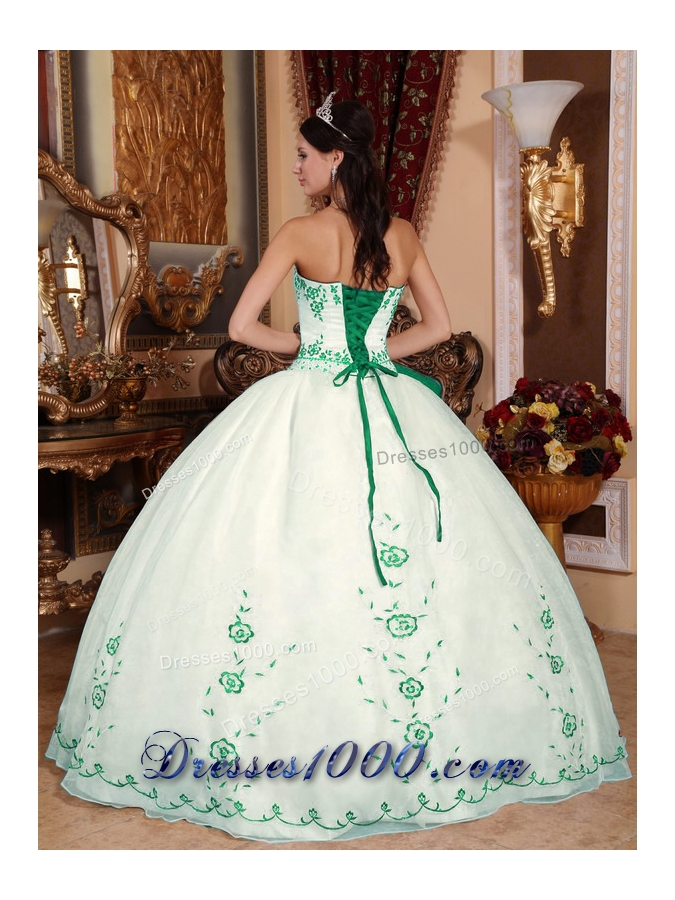Popular White Puffy Quinceanera Dresses with Green Embroidery