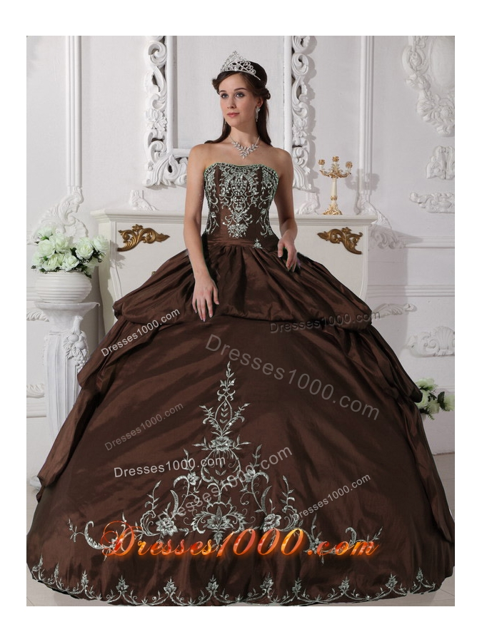 2014 Brown Puffy Strapless Embroidery Quinceanera Dress with Pick-ups