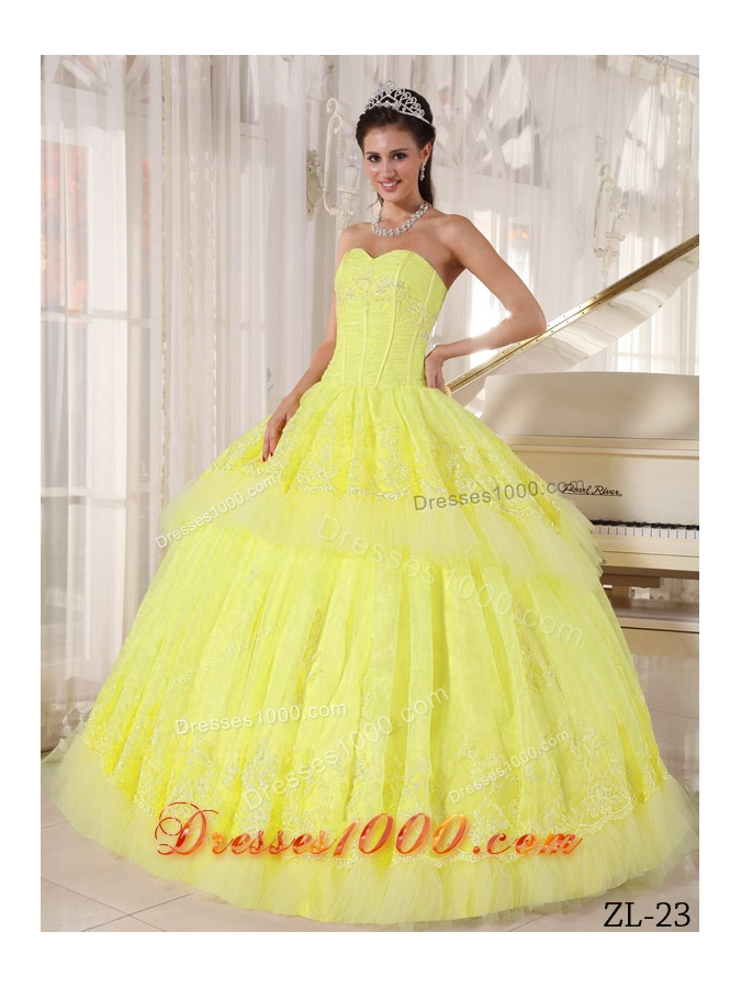 Beautiful Sweetheart Organza Appliques Yellow Dresses For a Quinceanera