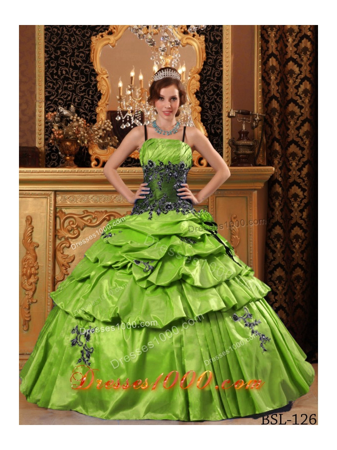 Puffy Spaghetti Straps Taffeta Quinceanera Dresses with Appliques and Pick-ups