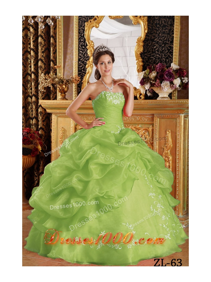 Puffy Strapless Organza Lime Green Sweet 16 Dresses with Embroidery and Pick-ups