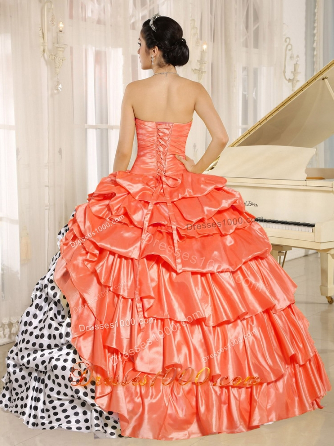 Popular Strapless Puffy Sweet Sixteen Dresses with Pick-ups