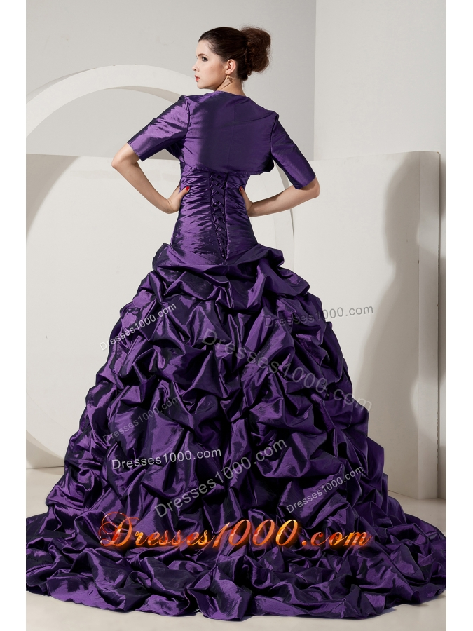 2014 Eggplant Purple Princess Strapless Brush Tain Quinceanera Gowns with Pick-ups