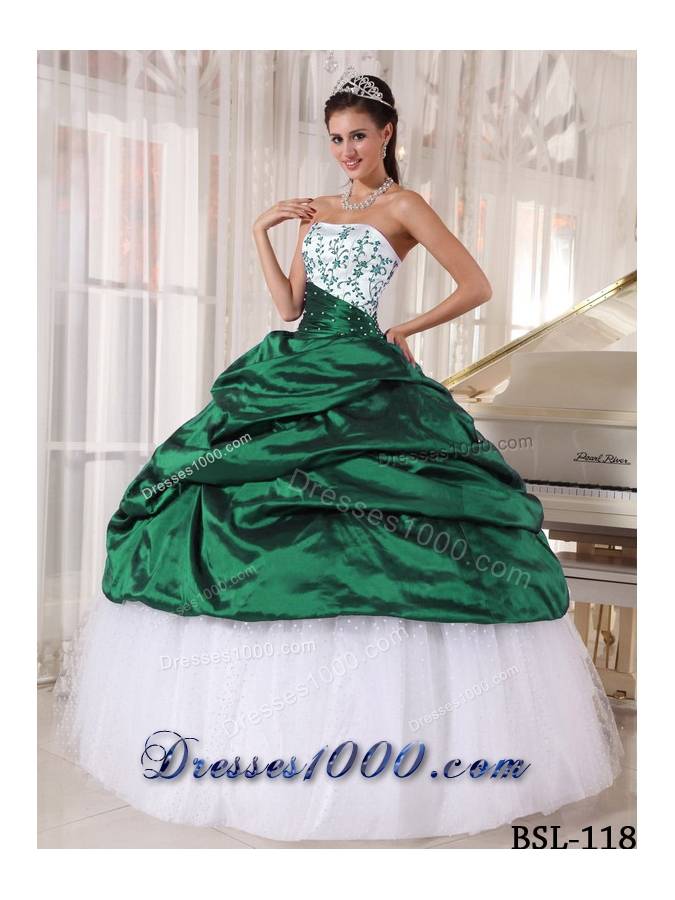 Beautiful Puffy Strapless for 2014 Quinceanera Dress with Pick-ups and Embroidery