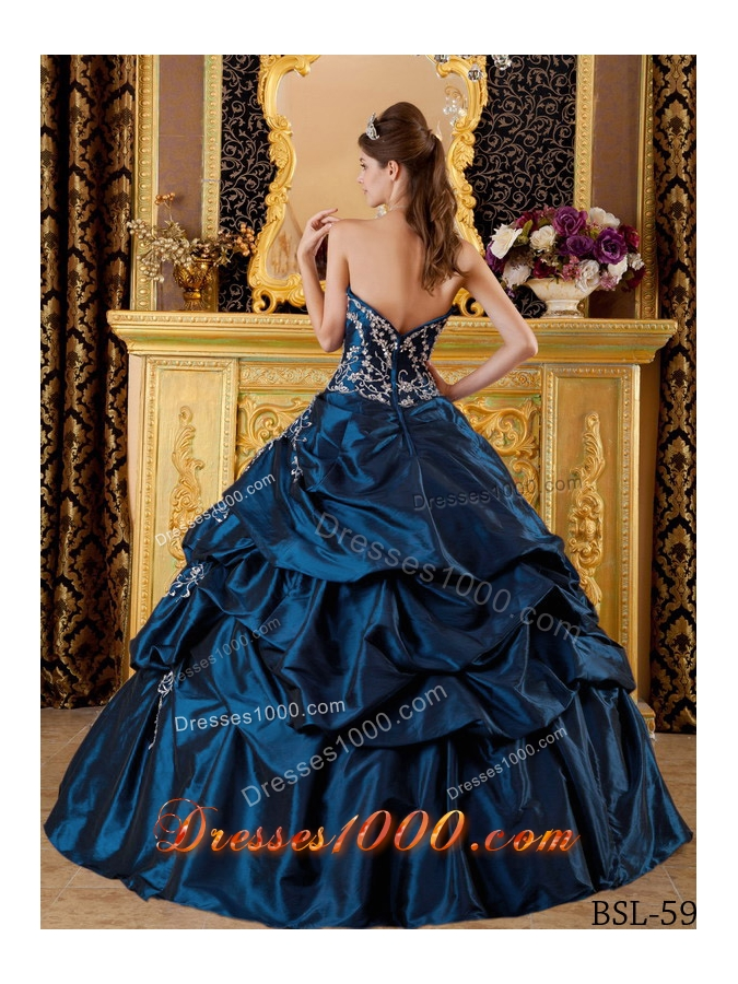 Discount Sweetheart Long Embroidery Quinceanera Dresses for Military Ball