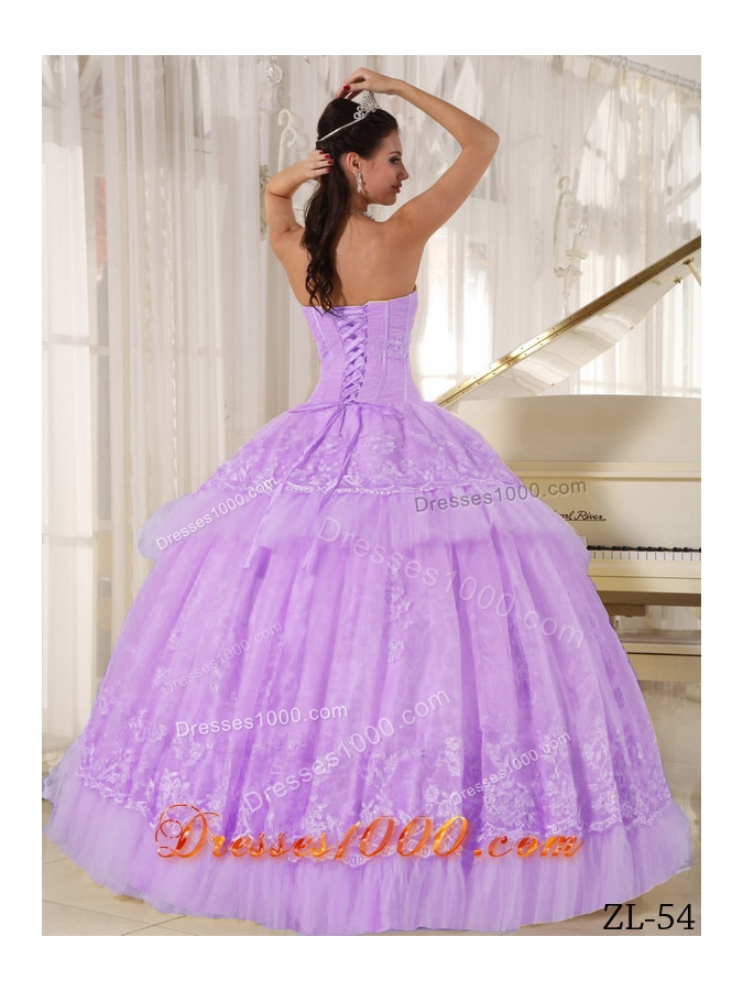Beautiful Ball Gown Sweetheart Organza Quinceaneras Dress with Appliques
