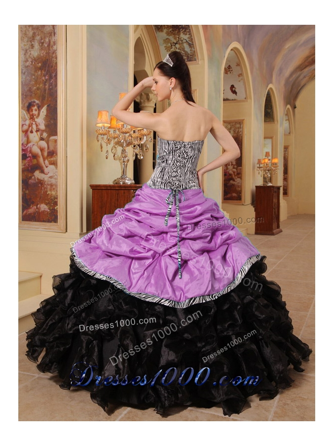 Sweetheart Ruffles and Pick-ups Quinceanera Dress with Ball Gown