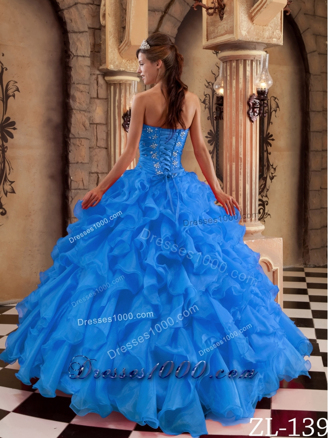 2014 Blue Sweetheart Puffy Ruffles Organza Quinceanera Dress with Beading