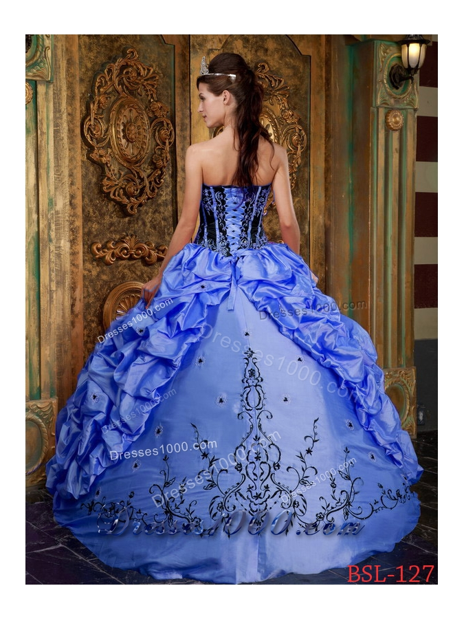 2014 Discount Blue Puffy Strapless Embroidery Quinceanera Dress with Pick-ups