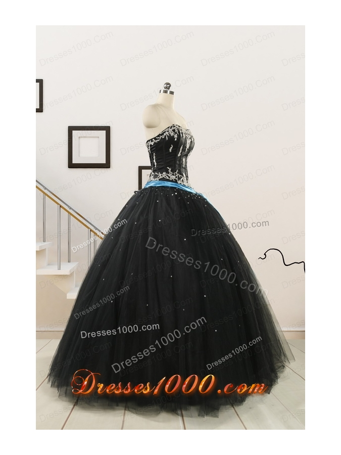 Pretty Appliques and Beading Black Quinceanera Dresses