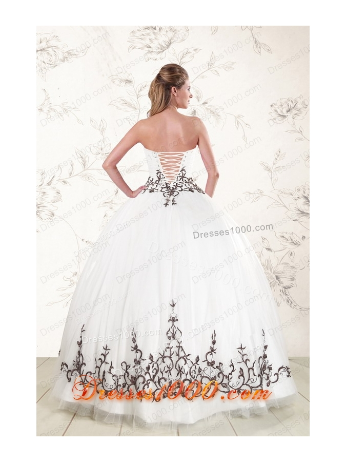 2015 Puffy Appliques Strapless White Quinceanera Dresses