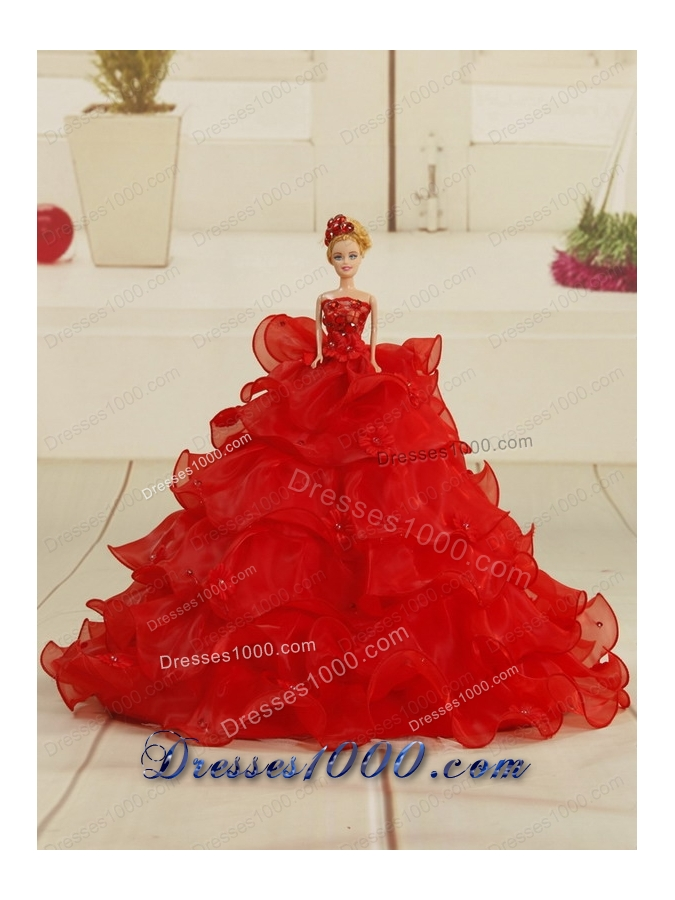 Elegant Red Sweetheart Quinceanera Dresses with Appliques