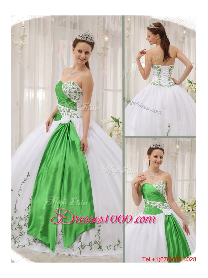 Latest Ball Gown Sweetheart Quinceanera Dresses with Embroidery