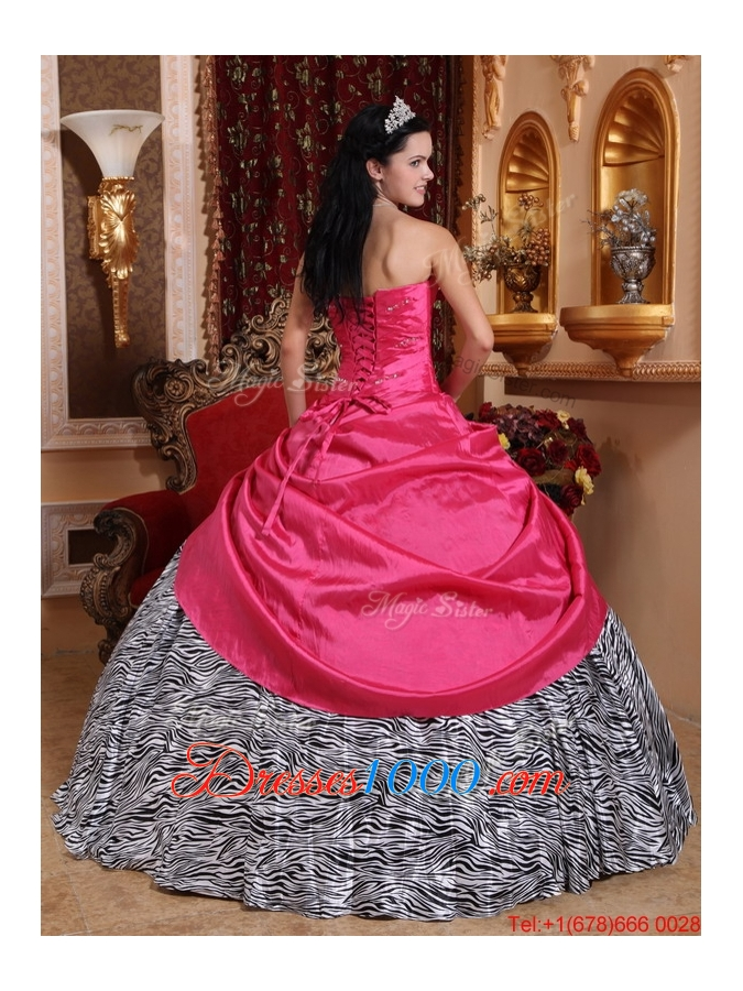 Elegant Ball Gown Hot Pink Quinceanera Gowns with Beading