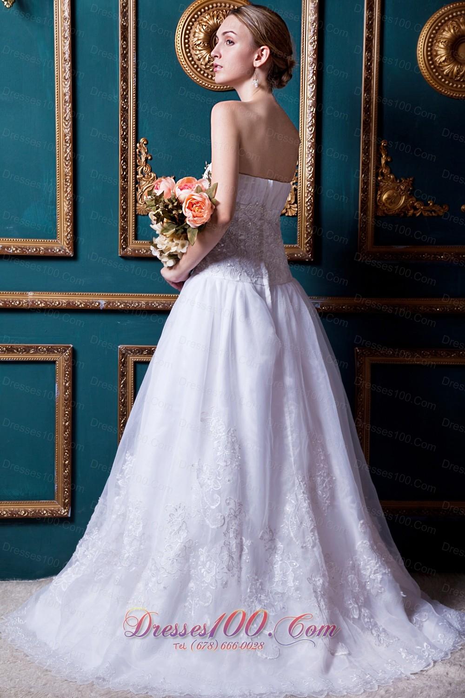 Organza Strapless Court Train Lace Wedding Dress