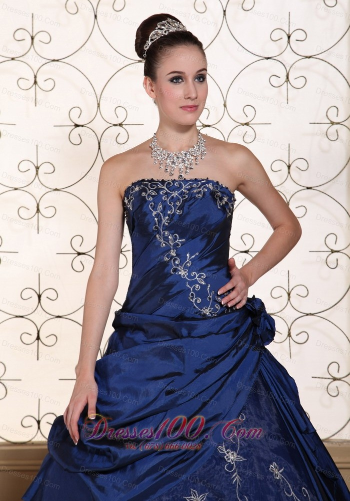 Blue Quinceanera Dress Embroidery Strapless