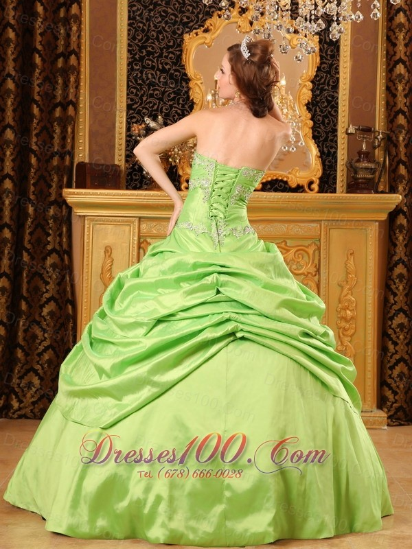Unique Beading Spring Green Taffeta Quinceanera Dress