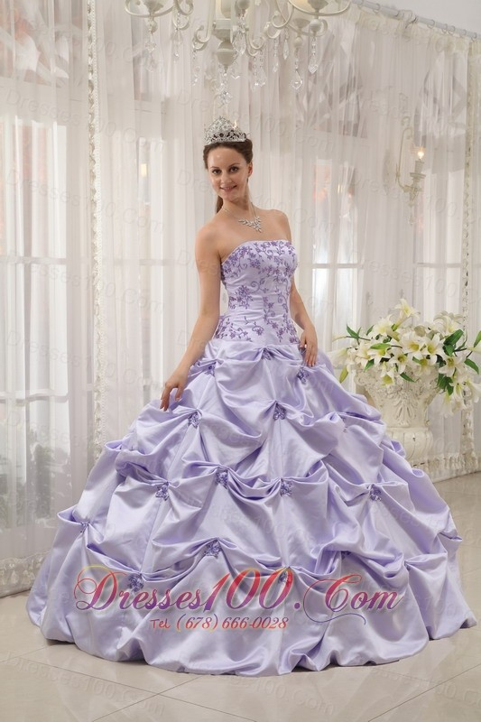 Lilac Quinceanera Dresses Gowns Taffeta Appliqued Ball Gown