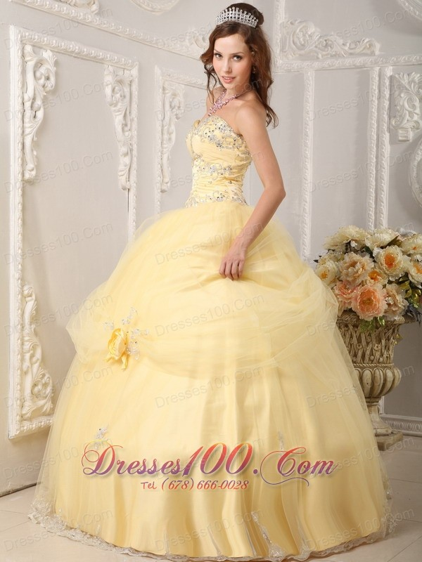 Sweet sixteen Dresses With Light Yellow Organza Appliques