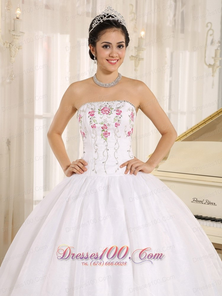 2013 White Embroidery Quinceanera Dress for Girls ...