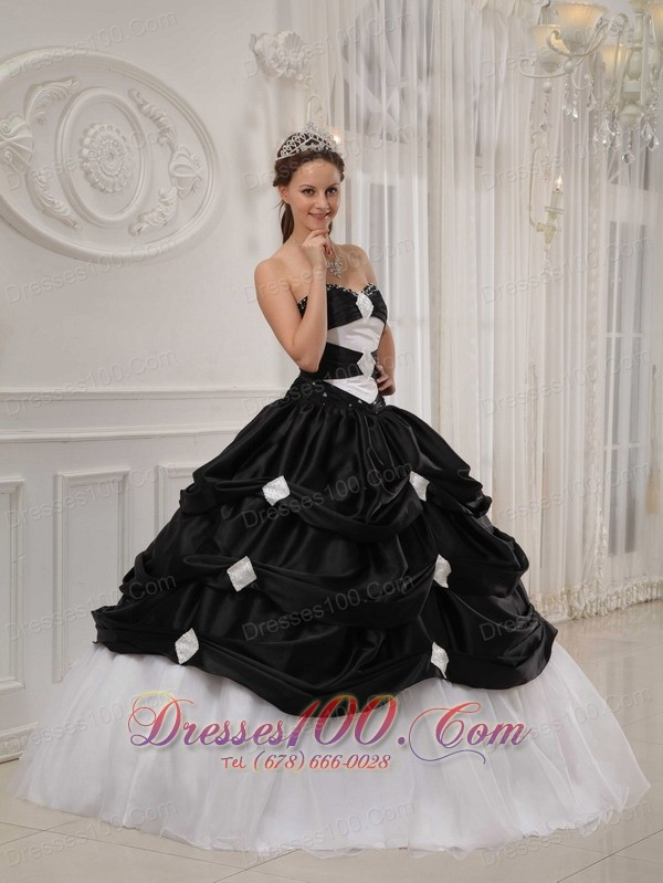 Black and White Beading Pick-ups Quinceanera Dress