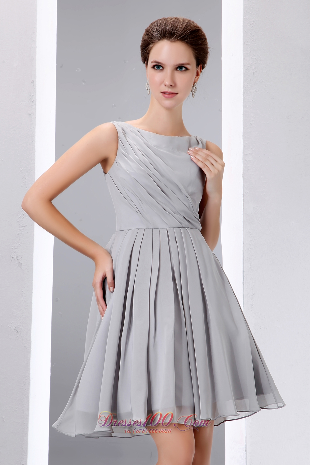 Scoop Grey Chiffon Short Ruched Cocktail Dama Dress